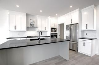 Photo 17: 126 Creekside Way SW in Calgary: C-168 Detached for sale : MLS®# A1144468