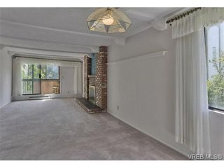 Photo 7: 211 1610 Jubilee Ave in VICTORIA: Vi Jubilee Condo for sale (Victoria)  : MLS®# 737372