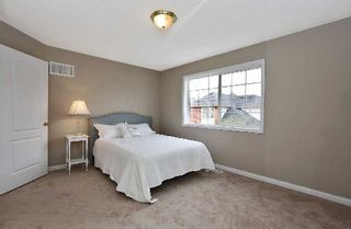 Photo 2: 699 Marley Crest in Milton: Beaty House (2-Storey) for sale : MLS®# W3062833
