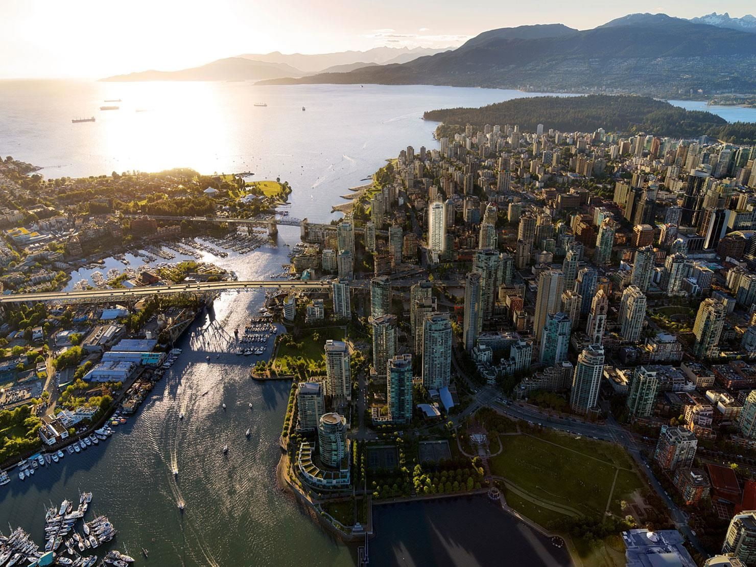 """Main Photo: 2305 889 PACIFIC Street in Vancouver: Downtown VW Condo for sale in """"Grosvenor"""" (Vancouver West)  : MLS®# R2620402"""