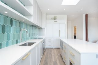 """Photo 9: 408 4355 W 10TH Avenue in Vancouver: Point Grey Condo for sale in """"Iron & Whyte"""" (Vancouver West)  : MLS®# R2462324"""