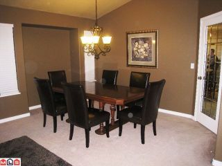 """Photo 3: 34756 7TH Avenue in Abbotsford: Central Abbotsford House for sale in """"HUNTINGDON VILLAGE"""" : MLS®# F1102700"""
