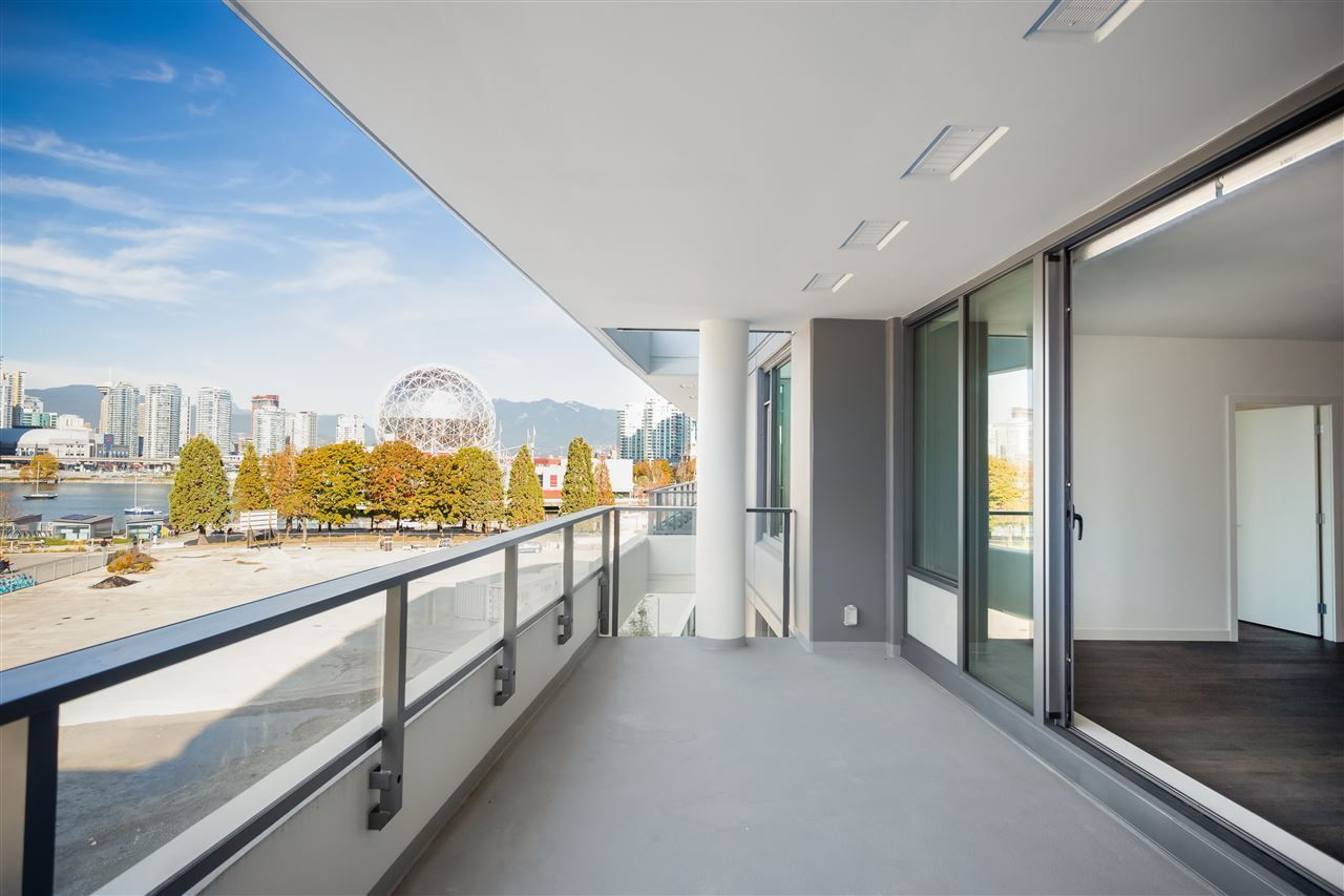 """Main Photo: 404 1678 PULLMAN PORTER Street in Vancouver: Mount Pleasant VE Condo for sale in """"NAVIO"""" (Vancouver East)  : MLS®# R2534776"""
