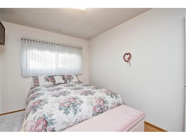 Photo 24: Photos: 210 OAKMOOR Place SW in Calgary: Oakridge House for sale : MLS®# C4091579
