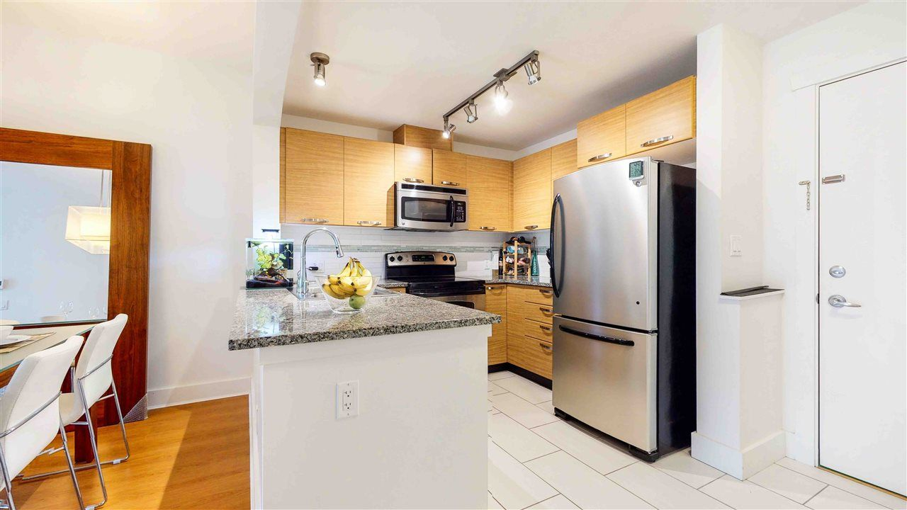 """Main Photo: 313 7418 BYRNEPARK Walk in Burnaby: South Slope Condo for sale in """"GREEN"""" (Burnaby South)  : MLS®# R2501039"""