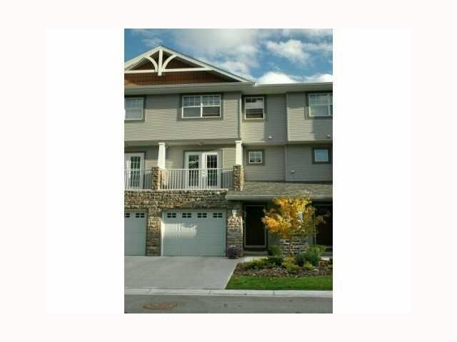 Main Photo: 313 INGLEWOOD Grove SE in CALGARY: Inglewood Townhouse for sale (Calgary)  : MLS®# C3504585