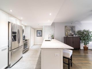 """Photo 12: 211 2665 W BROADWAY in Vancouver: Kitsilano Condo for sale in """"MAGUIRE BUILDING"""" (Vancouver West)  : MLS®# R2550864"""