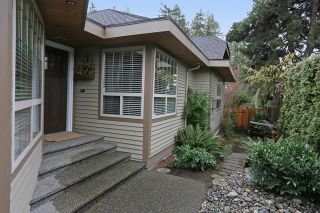 """Photo 2: 5748 168TH Street in Surrey: Cloverdale BC House for sale in """"RICHARDSON RIDGE"""" (Cloverdale)  : MLS®# R2024526"""