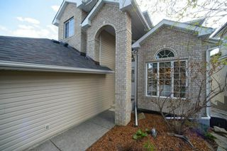 Photo 2: 21 Simcoe Gate SW in Calgary: Signal Hill Detached for sale : MLS®# A1107162
