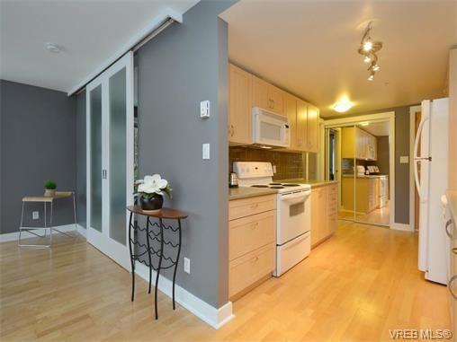 Photo 11: Photos: 201 1155 Yates St in VICTORIA: Vi Downtown Condo for sale (Victoria)  : MLS®# 750454