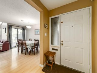 """Photo 2: 5872 MAYVIEW Circle in Burnaby: Burnaby Lake Townhouse for sale in """"ONE ARBOURLANE"""" (Burnaby South)  : MLS®# R2542010"""