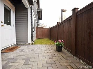 Photo 19: 113 643 Granderson Rd in VICTORIA: La Fairway Row/Townhouse for sale (Langford)  : MLS®# 698748