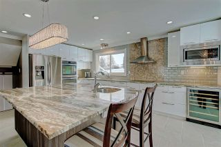 Photo 3: 636 WOLF WILLOW Road in Edmonton: Zone 22 House for sale : MLS®# E4226903