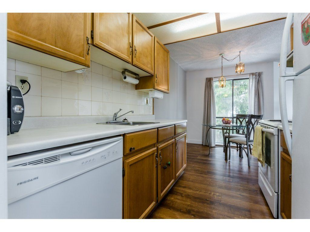 """Photo 13: Photos: 303 9952 149 Street in Surrey: Guildford Condo for sale in """"Tall Timbers"""" (North Surrey)  : MLS®# R2241309"""
