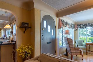 Photo 5: 582 Island Hwy in : CR Campbell River Central House for sale (Campbell River)  : MLS®# 886040