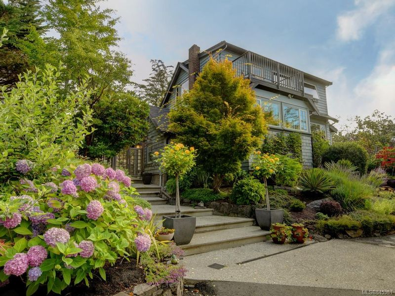 FEATURED LISTING: 2776 SEA VIEW Rd