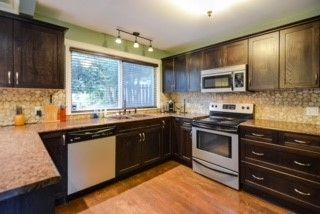 Photo 2: 7368 MURRAY Street in Mission: Mission BC House for sale : MLS®# R2098459