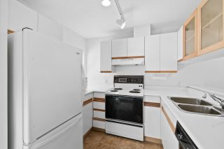 """Photo 10: 930 W 14TH Avenue in Vancouver: Fairview VW Townhouse for sale in """"Fairview Court"""" (Vancouver West)  : MLS®# R2574639"""
