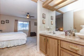 Photo 16: 5 1536 Middle Rd in View Royal: VR Glentana Manufactured Home for sale : MLS®# 775203