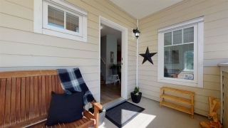 """Photo 2: 35 1200 EDGEWATER Drive in Squamish: Northyards Townhouse for sale in """"Edgewater"""" : MLS®# R2571394"""
