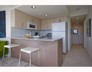"""Photo 4: 1509 550 TAYLOR Street in Vancouver: Downtown VW Condo for sale in """"The Taylor"""" (Vancouver West)  : MLS®# V804974"""