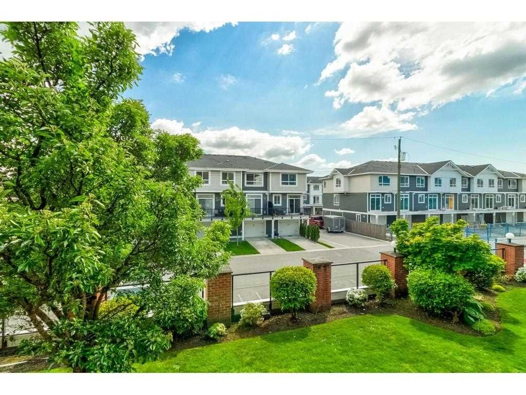 """Photo 23: Photos: 206 19774 56 Avenue in Langley: Langley City Condo for sale in """"Madison Station"""" : MLS®# R2582566"""