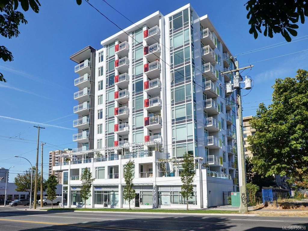 Main Photo: 302 1090 Johnson St in Victoria: Vi Downtown Condo for sale : MLS®# 750438