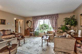 Photo 2: 151 Castle Crest in Oakville: Eastlake House (2-Storey) for sale : MLS®# W2882066