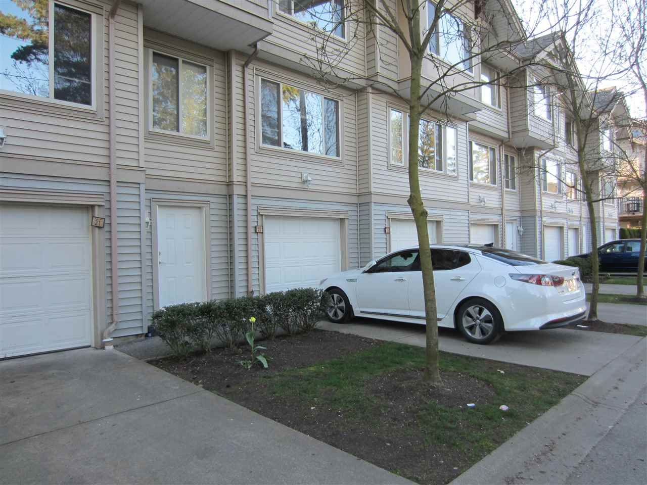 """Main Photo: 22 5388 201A Street in Langley: Langley City Townhouse for sale in """"THE COURTYARDS"""" : MLS®# R2064811"""