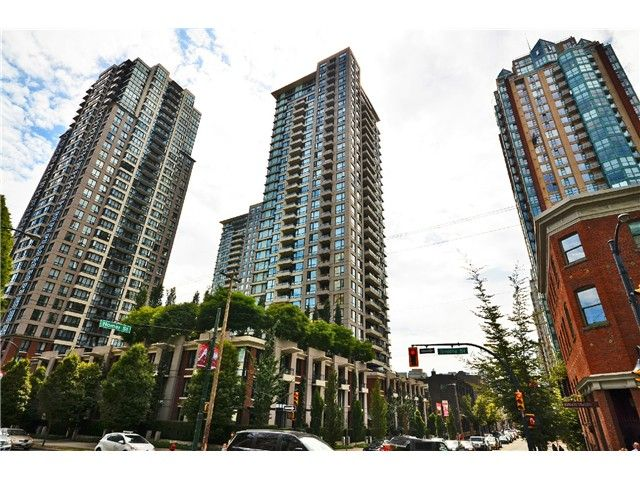 """Main Photo: 2305 928 HOMER Street in Vancouver: Yaletown Condo for sale in """"YALETOWN PARK 1"""" (Vancouver West)  : MLS®# V1023790"""