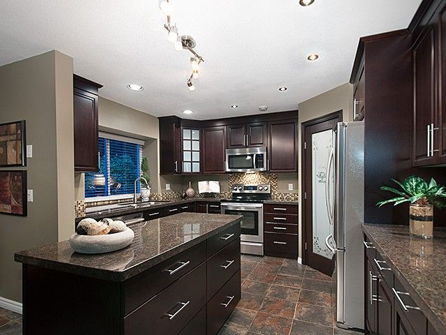 Photo 1: Photos: 2651 Granite CT in Coquitlam: Westwood Plateau House for sale : MLS®# V1091713
