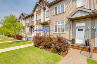 Photo 2: 20 Copperpond Rise SE in Calgary: Copperfield Row/Townhouse for sale : MLS®# A1130100