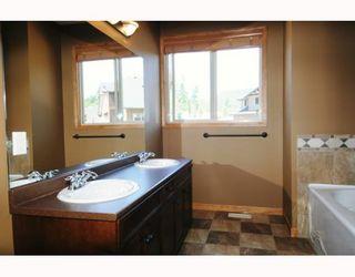 """Photo 3: 68 24185 106B Avenue in Maple Ridge: Albion 1/2 Duplex for sale in """"TRAILS EDGE"""" : MLS®# V796425"""