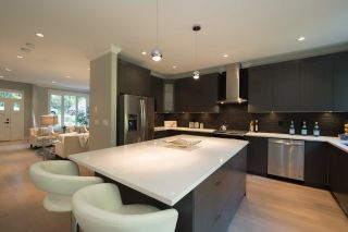 Photo 8: 2132 MACKAY AVENUE in North Vancouver: Pemberton Heights House for sale : MLS®# R2131493