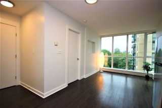 """Photo 6: 807 10777 UNIVERSITY Drive in Surrey: Whalley Condo for sale in """"City Point"""" (North Surrey)  : MLS®# R2593090"""