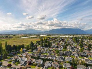 Photo 34: 18863 FORD Road in Pitt Meadows: Central Meadows House for sale : MLS®# R2579235