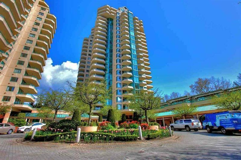 FEATURED LISTING: 5E - 328 TAYLOR Way West Vancouver