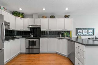 Photo 9: 120 OEMING Road in Edmonton: Zone 14 House Half Duplex for sale : MLS®# E4252455