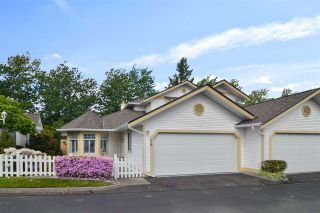 """Photo 1: 25 21138 88 Avenue in Langley: Walnut Grove Townhouse for sale in """"SPENCER GREEN"""" : MLS®# R2582937"""