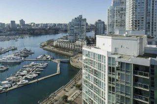 Photo 12: 2006 1077 MARINASIDE CRESCENT in Vancouver: Yaletown Condo for sale (Vancouver West)  : MLS®# R2337743