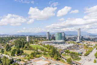 """Photo 2: 3107 13615 FRASER Highway in Surrey: Whalley Condo for sale in """"KING GEORGE HUB"""" (North Surrey)  : MLS®# R2617610"""
