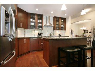 Photo 10: # 205 16433 64 AV in Surrey: Cloverdale BC Condo for sale (Cloverdale)  : MLS®# F1436529