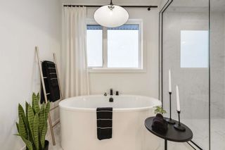 Photo 24: 692 Howatt Drive in Edmonton: Zone 55 House for sale : MLS®# E4266434