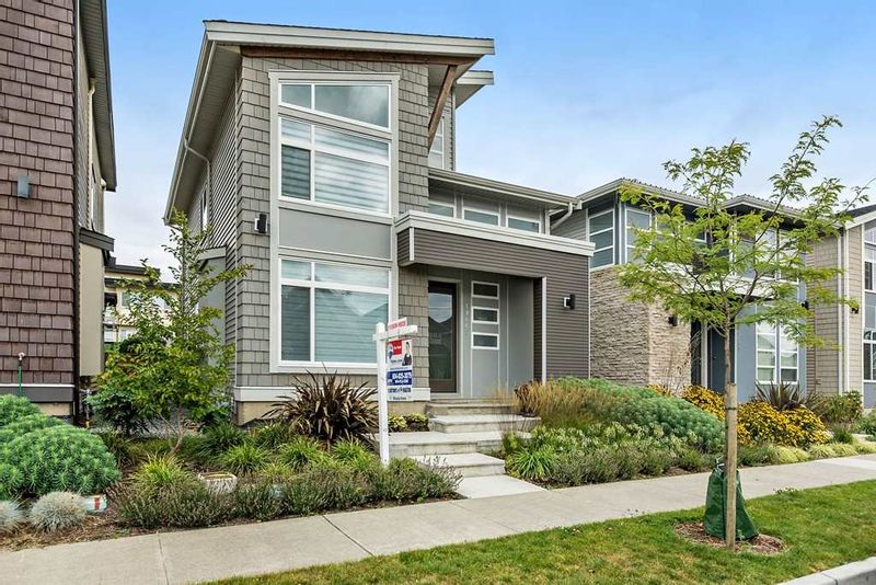 FEATURED LISTING: 19467 72 Avenue Surrey