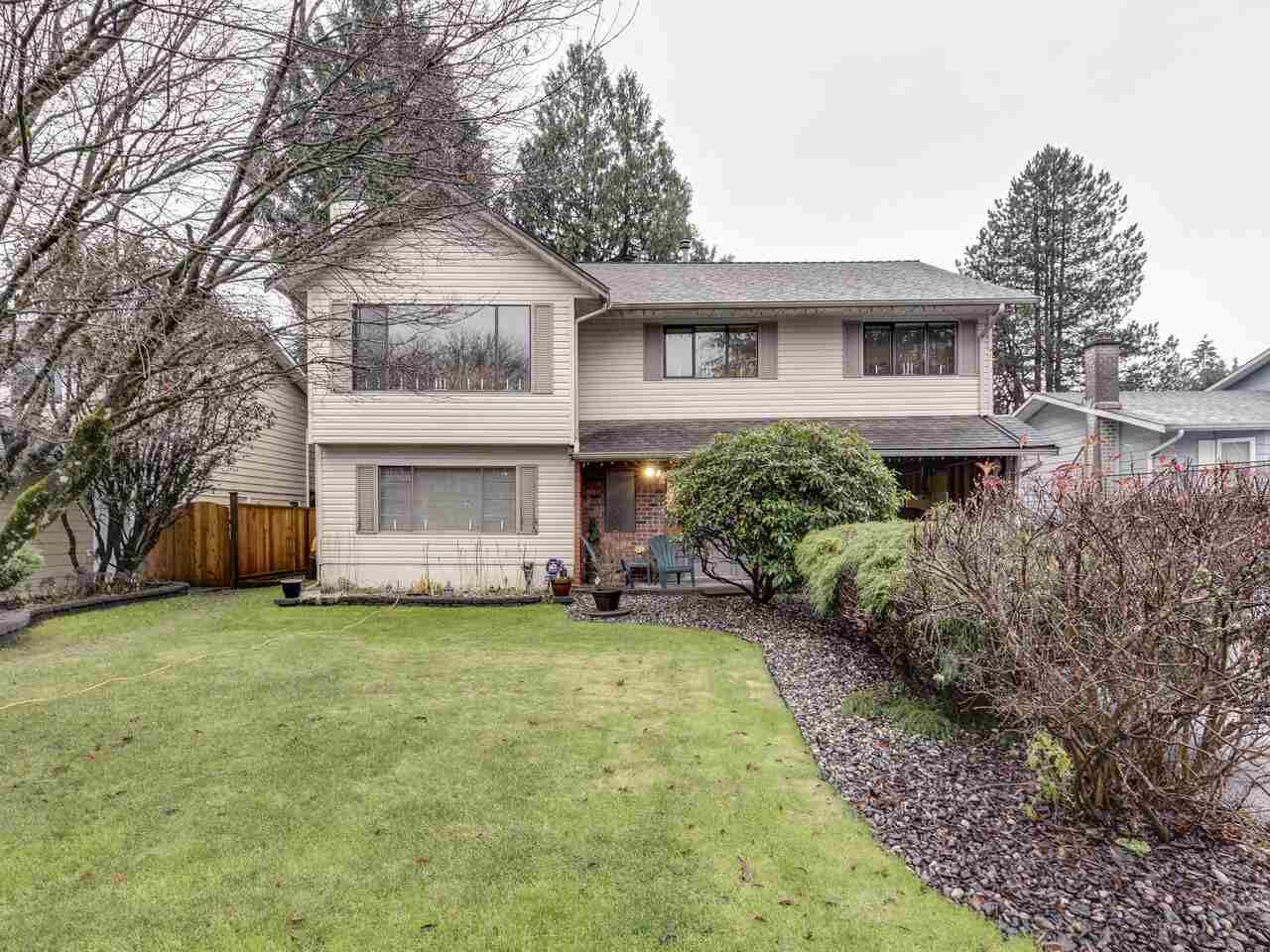 "Main Photo: 1048 SPRUCE Avenue in Port Coquitlam: Lincoln Park PQ House for sale in ""Lincoln Park"" : MLS®# R2522974"