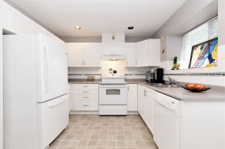 """Photo 9: 27 23085 118 Avenue in Maple Ridge: East Central Townhouse for sale in """"SOMMERVILLE GARDENS"""" : MLS®# R2490067"""