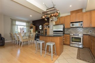 """Photo 8: 28 40632 GOVERNMENT Road in Squamish: Brackendale Townhouse for sale in """"RIVERSWALK"""" : MLS®# R2261504"""