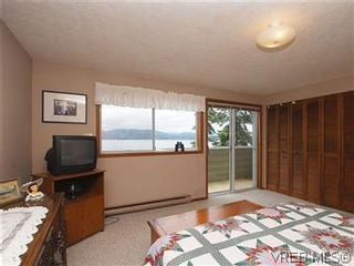 Photo 10: 10796 Madrona Drive in NORTH SAANICH: NS Deep Cove Single Family Detached for sale (North Saanich)  : MLS®# 295112