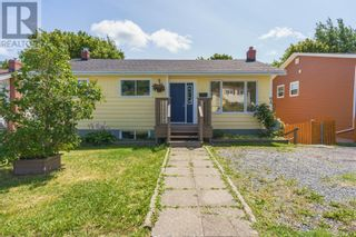 Photo 1: 5 NIGHTINGALE Road in ST.JOHN'S: House for sale : MLS®# 1235976