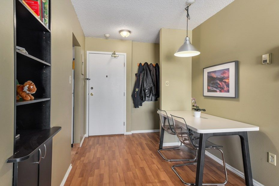"""Photo 10: Photos: 302 1933 W 5TH Avenue in Vancouver: Kitsilano Condo for sale in """"SAHLANO PLACE"""" (Vancouver West)  : MLS®# R2073154"""